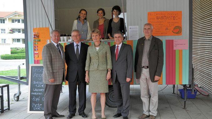 Offizielles Pressefoto zur Einweihung des Fairtastic-Bauwagens am KGT (Foto: Martin Dühning)