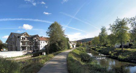 Herbstliches Hinterhofidyll in Oberlauchringen - einen schöneren Oktoberanfang kann man sich hier kaum denken (Foto: Martin Dühning)