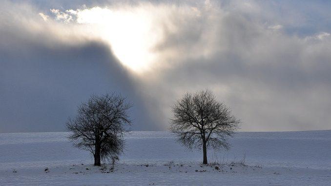Der Kampf Winter gegen Sonne läuft aber noch. (Foto: Martin Dühning)