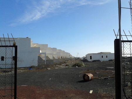 Ein verlassenes Stadtviertel in Costa Teguise - es wurde nie fertiggestellt und wirkt wie eine Geisterstadt.