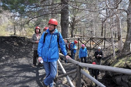 Martin Dühning als Höhlenforscher beim Ätna im April 2014