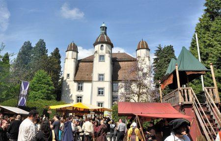 Mittelaltermarkt 2014 im Bad Säckinger Schlosspark (Foto: Martin Dühning)