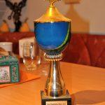 Ein einziger Pokal