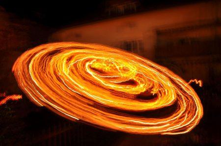 ... und als Lichtmalerei in der Leuchtkürbis-Langzeitbelichtung (Foto: Salome Leinarkunion)