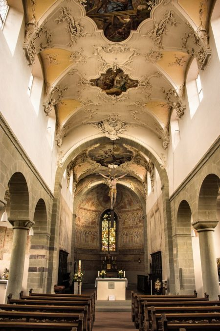 Peter und Paul besitzt einen gewagten Stilmix aus Frühromanik, Gotik und Rokkoko (Foto: Martin Dühning)