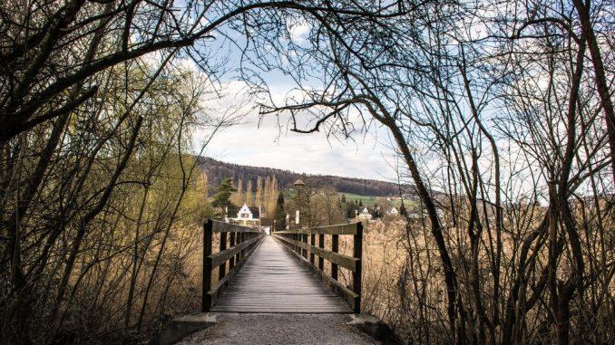 Der Eingang zur Franziskanerinsel Werd in Eschenz ist relativ gut versteckt und nicht ganz leicht zu finden, wenn man nicht weiß, wo man zu suchen hat. (Foto: Martin Dühning)