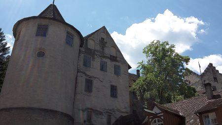 Die mittelalterliche Meersburg von der Stadtgasse aus betrachtet (Foto: Martin Dühning)