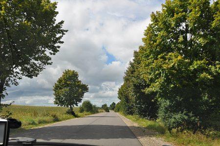 Neuere polnische Landstraße (Foto: Martin Dühning)