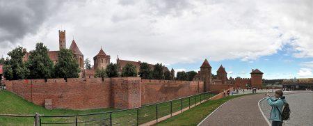 Die riesige Festungsanlage von der Südseite (Foto: Martin Dühning)