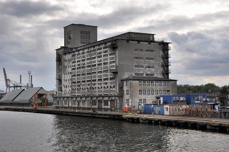 Altes Hafengebäude bei Danzig (Foto: Martin Dühning)