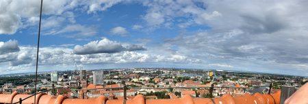 Panoramaausblick vom Turm der Marienkirche auf den Danziger Hafen (Foto: Martin Dühning)