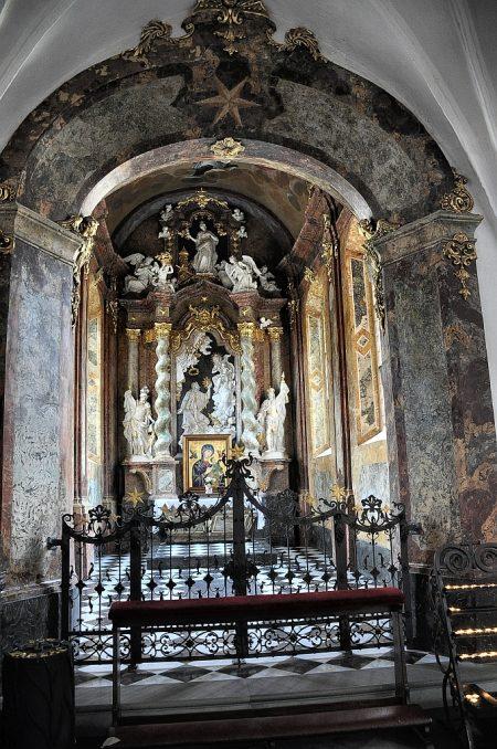 Blick in eine Seitenkapelle (Foto: Martin Dühning)
