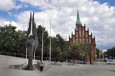 Engel vor der Kirche St. Peter und Paul in Stettin (Foto: Martin Dühning)