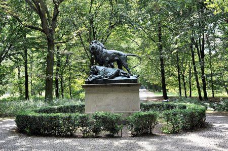 Löwenmonument im Berliner Tiergarten (Foto: Martin Dühning)