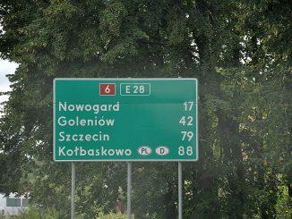 Eines der vielen Straßenschilder auf dem Weg von Danzig nach Stettin (Foto: Martin Dühning)