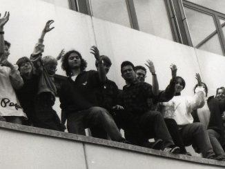 Das legendäre Phoenix-Team in den 1990ern bei einer Perfomance - das Foto entstammt einer Collage, die lange Zeit den alten Oberstufenraum am Klettgau-Gymnasium zierte.