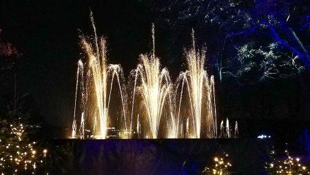 Die glitzernden Fontänen hatten etwas von Feuerwerk (Foto: Martin Dühning)