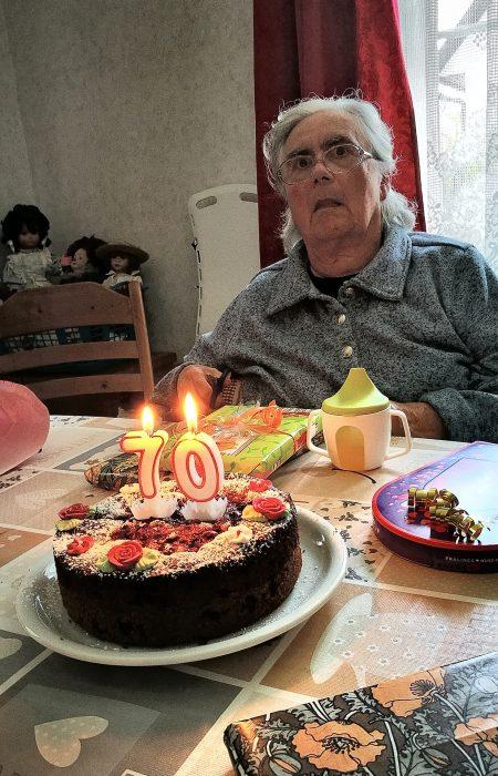 Ursula Dühning an ihrem 70zigsten Geburtstag, schon von schwerer Krankheit gezeichnet (Foto: Martin Dühning)