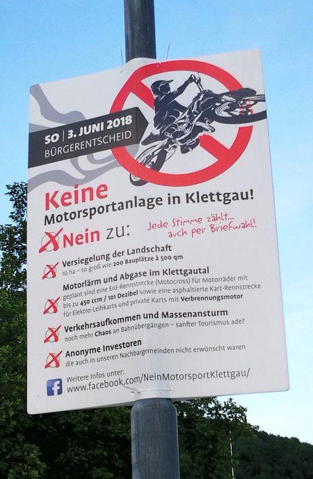 Mit Plakaten in Klettgau machte die Kampagne auf ihr Anliegen aufmerksam (Foto: Martin Dühning).
