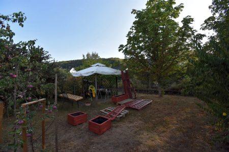 Renovierungsarbeiten im heimischen Garten (Foto: Martin Dühning)