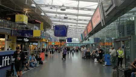 Im Bahnhof Manchester Picadilly (Foto: Martin Dühning)