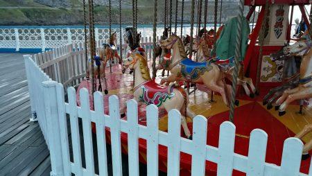 Kinderkarussell auf dem Llandudno Pier (Foto: Martin Dühning)