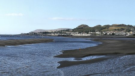 Blick von Conwy aus nach Deganwy und The Fardre (Foto: Martin Dühning)