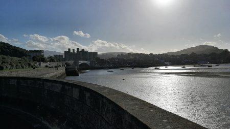 Conwy nebst Festung von der Brücke über den River Conwy aus betrachtet (Foto: Martin Dühning)