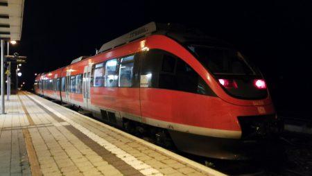 Die Hochrheinbahn erreicht Lauchringen (Foto: Martin Dühning)