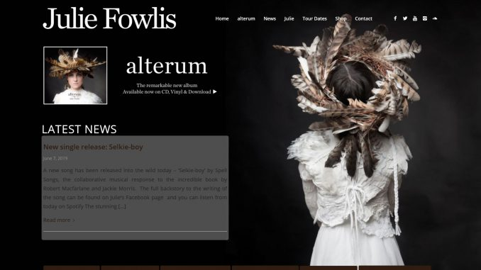Webseite von Julie Fowlis unter https://www.juliefowlis.com/