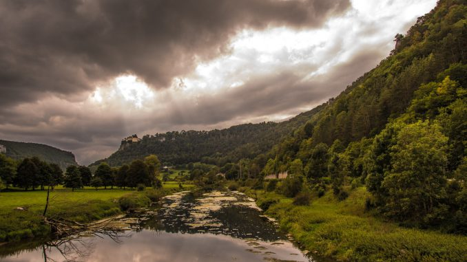 Donautal von Hausen im Tal aus betrachtet (Foto: Martin Dühning)