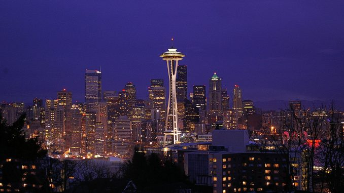 Seattle bei Nacht (Foto: Johan Bos via Pexels)