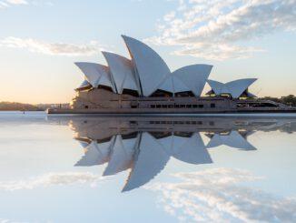 Sydney im Morgendämmer (Foto: Simon Clayton via Pexels)