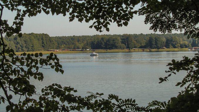 Mecklenburg-Vorpommern hat viele bildhübsche Seen und Flussläufe (Foto: Hansjörg Dühning)